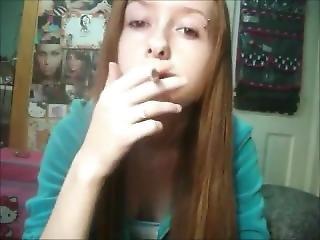 piękność, brunetka, fetysz, długie włosy, palenie, kamerka