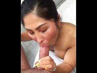 Filipina Milf Giving Head