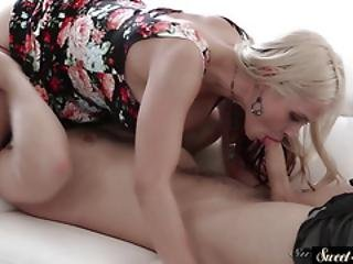 Busty Stepmom Creamed After Sixtynine Action