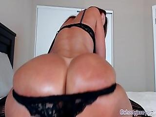 Pawg Milf Jess Ryan Twerking Her Ass