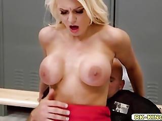 blondynka, obciąganie, szef, hardcore, wielka pała, cipka, ssanie