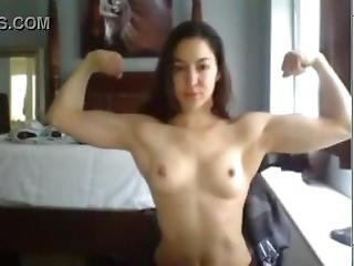 W3bc4m Muscl3 Girl