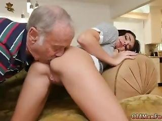 Fitness Girl Hd Xxx Riding The Old Wood!