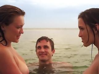 Brooke Hogan, Carmen Electra - 2 Headed Shark Attack