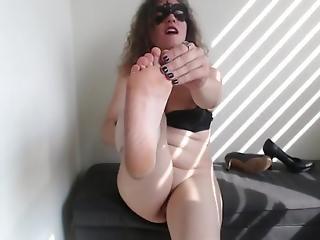 brunette, sperma, gekruld, europeaans, voet, italiaans, mask, volwassen, milf, poetsen, sexy, vrouw