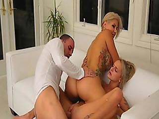 Step Mom On Top While Banging Emma Hix Spread Pussy