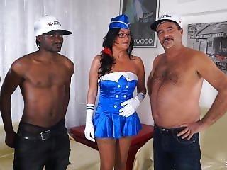 Scambisti Maturi - Interracial Gangbang With Mature Italian Amateur