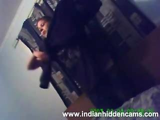 High Profile Indian Business Women On Her Business Trip To Uk Caught Naked