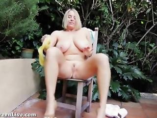 All Natural Maggie Green Cums Outside