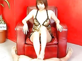 Reimi Fujikura Receives Her Bald Slit Ravished