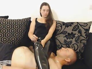 Mistress.using.ashtray.slave