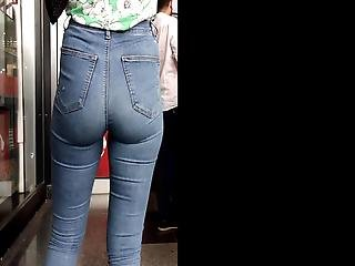 Perfect Ass Jeans Teen Candid
