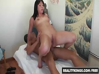 Realitykings   Happy Tugs   Tina Lee Bruno   Well Done
