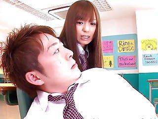 asiatisch, arsch, luder, blasen, frech, ins gesicht, japanisch, wichsen, schule, sex, Jugendliche, uniform