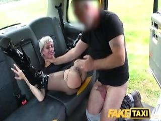 dikke lul, blonde, pijp, bondage, lul, trio dominantie, geil, milf, op tafel neuken, taxi