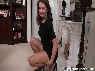 American Milf Stacy Slides Out Of Her Black Dress And Pleasures Her Shaven Pussy With A Dildo Bonus Video: American Milf Nyla Parker