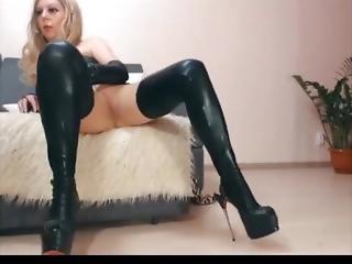Hot Milf Shows What She Got