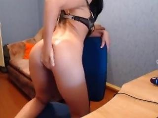 Skinny Romanian Camslut Does Anal Fisting And Dildo