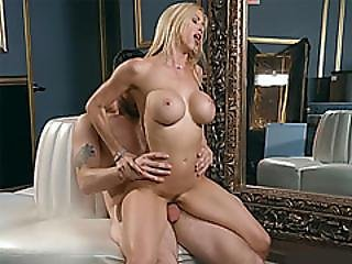 Divorced Milf With Big Boobs Squirts On A Bartenders Dick