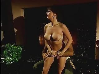 Tette Grandi, Mora, Sburrata, Pisello, Orgasmo, Pornostar