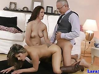 British Mature Pussylicked By Babe During Ffm