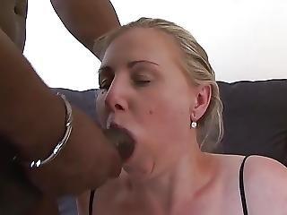 pijp, sperma, sperma in de mond, sperma doorslikken, deepthroat, neuken, oma, hardcore, interraciale, door slikken, keel neuken, werkplaats