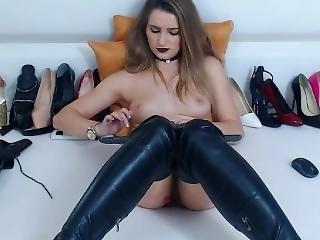 2018-12-13_05-56-09 M67 26404818 1737. Hot Big Girl In Sexy Boots Ma Pu