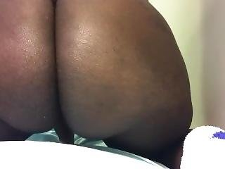 Ebony Shows Her Ass In A Strip Tease