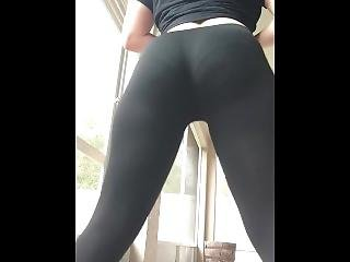 Empress Doing Her Daily Squats With Leggings
