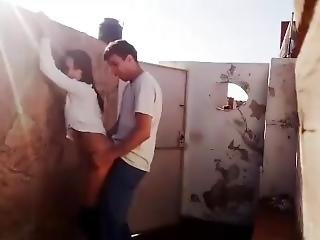 Horny Couple Let A Quickly In The Roof