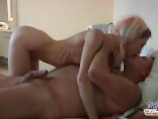 badrum, blondin, avsugning, par, komma, knullar, farfar, avrunkning, slicka, hembiträderska, onani, naturlig, naturliga tuttar, oralt, sex, rakad, spinking, slyna, små tuttar, Tonåring, vaginalt, ung