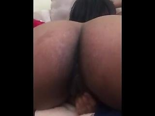 Making This Hoodrat Play Wit Her Pussy