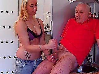 stymulacja wacka dłonią, orgazm, przystrzyżona, rąsia