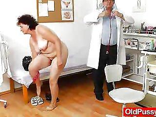 κοντινό πλάνο, γιατρός, enema, εξέταση, γαμήσι, τριχωτή, νοσοκομείο, ώριμη, milf, μαμά, μητέρα, μεγάλος, μουνί, κάτοπτρο, φτύσιμο