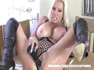 bonasse, motard, blonde, gode, masturbation, huilée, orgasme, sexy