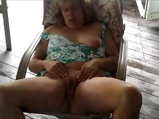 Heather Eisenbraun Masturbating Outside For All To See