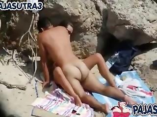 Pareja Follando En Playa Nudista Son Grabados