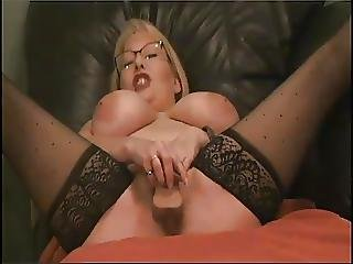 Mature Lady Teased To A Squirt