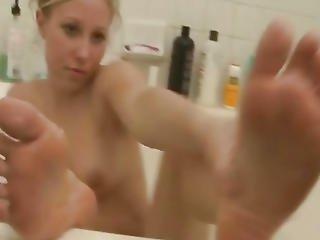 Filming My Wild Blonde Neighbor Naked In Bath