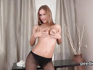 Fantastic Chick Is Pissing And Pleasuring Shaven Pussy