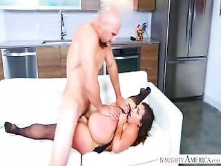 Step Mom Kelsi Monroe Likes Young Dick