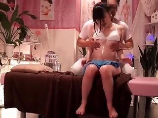 задница, большая задница, большая синица, минет, крем, сперма в жопе, японский, лизать, массаж, киска, киска лизать, шприц