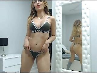 I Will Surprise You With My Sexy Moves- Samanthabunny