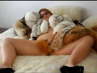 Eva A. Fur Naughty Time