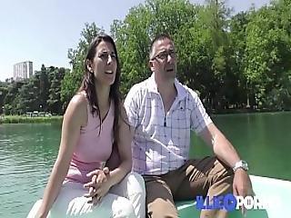Ce Couple Libertin Baise Dans Le Canape De La Belle-mere French Illico Porno