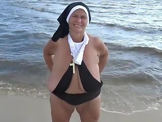Beach Sister Sarah Tugboat (free Promotional-blooper)