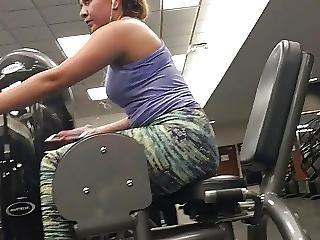 Hot gym girl masturbrates hard snapchat