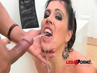 Huge Butt Montse Drinks Pee Piss Drinking Anal Threesome Sz584