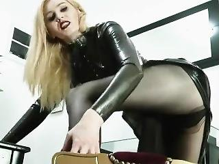 Queen Celine Financial Dominatrix In Latex