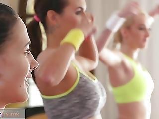 Fitnessrooms Young Teens Fuck Gym Teacher S Big Cock